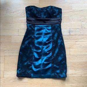 Le Chateau / Strapless Lace Dress